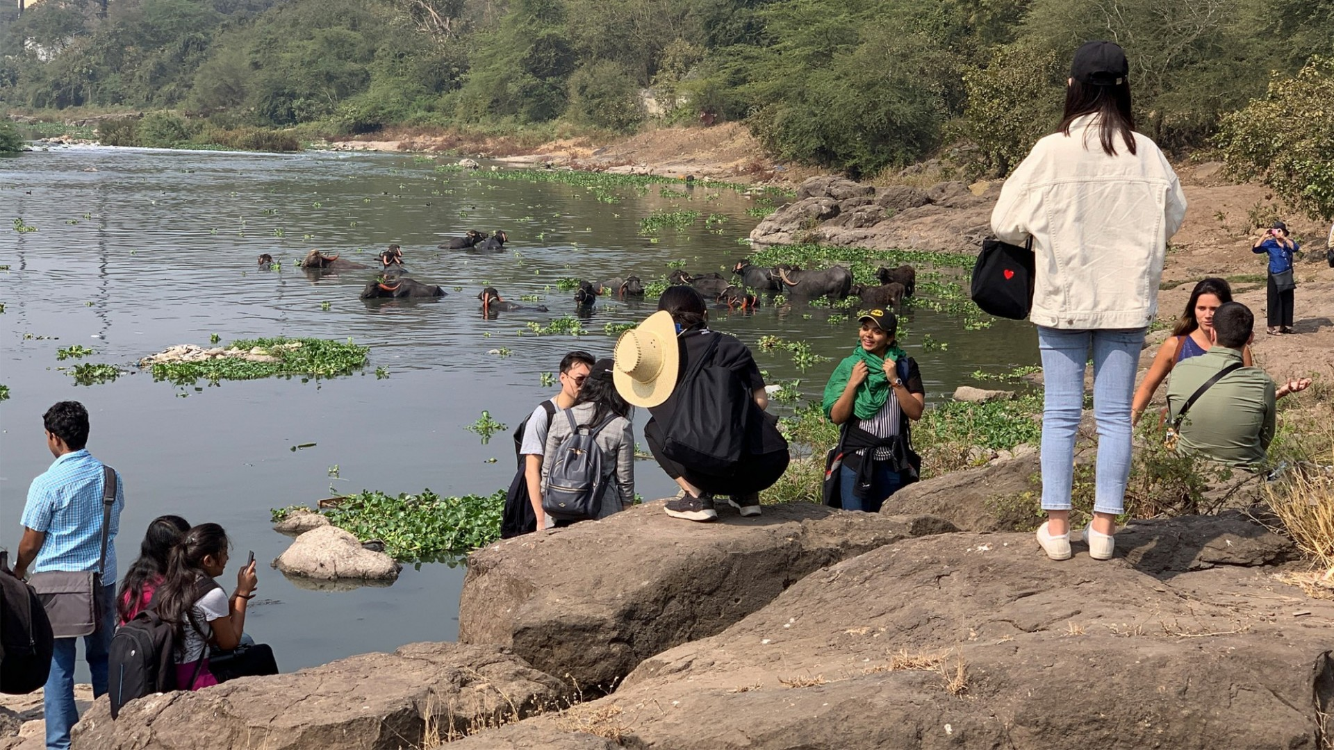 GSAPP students on the Mula Mutha River in Pune, India