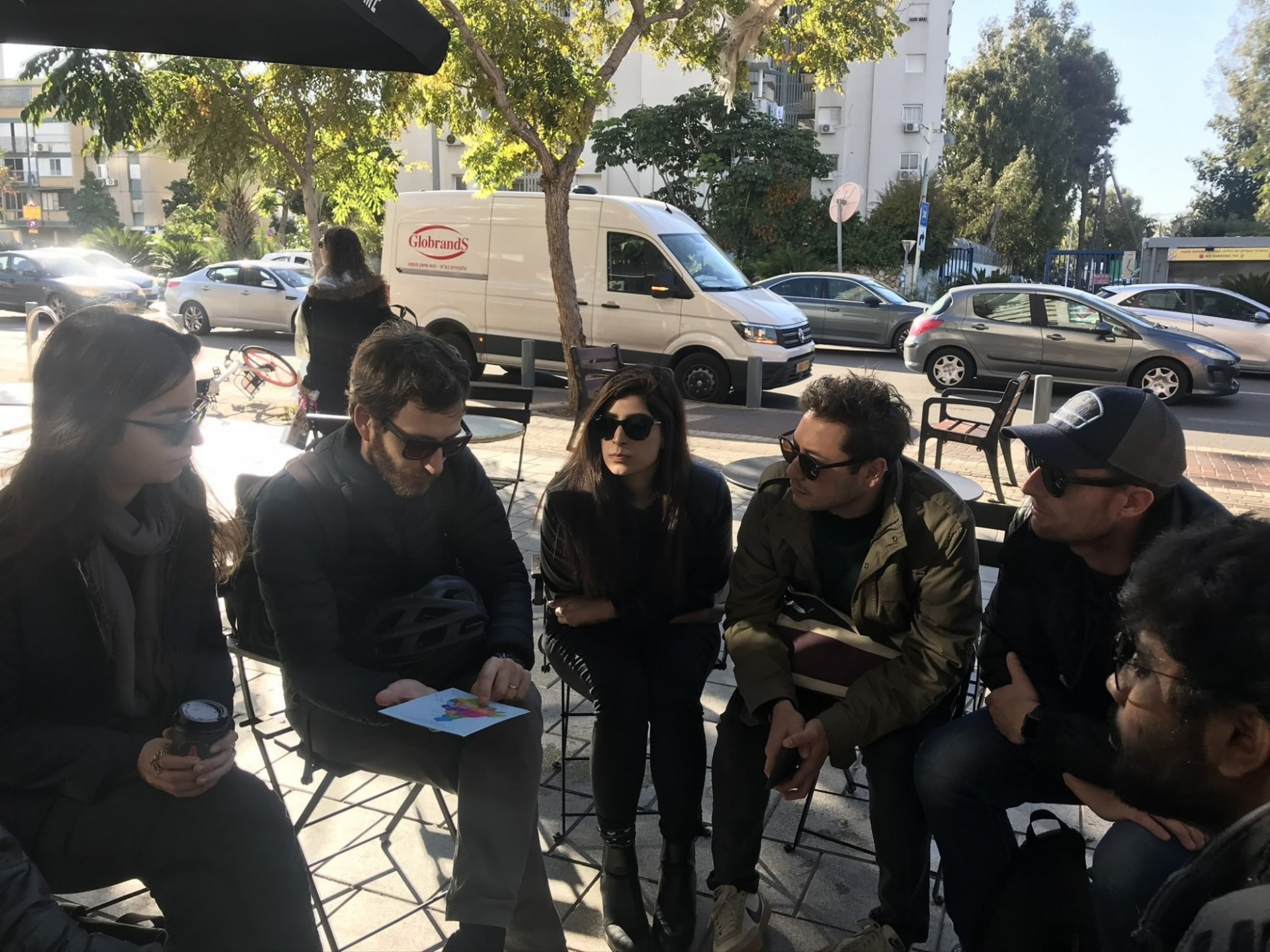 Students meetings with planners in Tel Aviv-Yafo's southern district of Hatikva